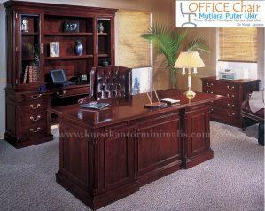 Set Meja Dan Kursi Direktur Model Antik